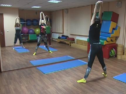 Красноярские многодетные мамы теперь могут бесплатно заниматься йогой и пилатесом