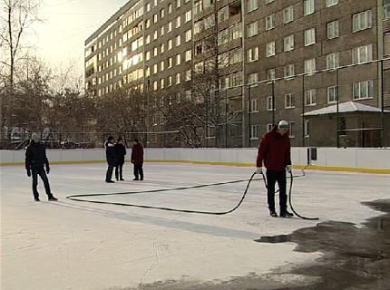 В Красноярске начали готовиться к сезону коньков
