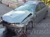 В Красноярске пьяный водитель протаранил павильон