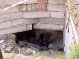 В Красноярске рядом с жилым домом образовался провал в несколько метров