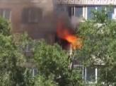 Пожарные спасли двух детей из горящей квартиры